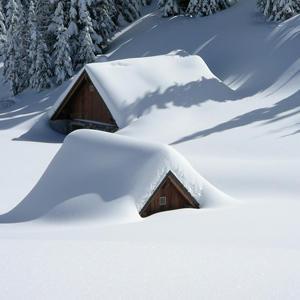 «Зимняя загородка», или плюсы и минусы покупки загородного дома зимой
